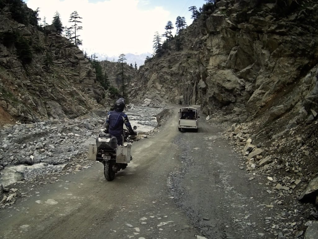 Approaching the tunnel in Nagar.
